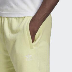 Adidas-Original-shorts-essential-short-h39972-1
