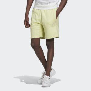 LOUNGEWEAR_Trefoil_Essentials_Shorts_Kitrino_H39972_21_model